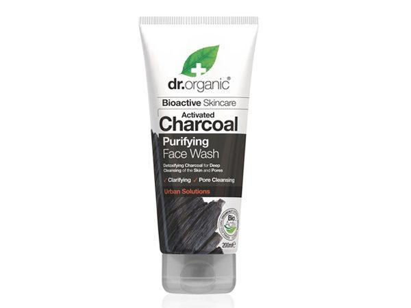 Aktivni-ugljen-gel-za-umivanje-lica-dr-organic